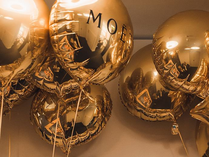Moet your moment!